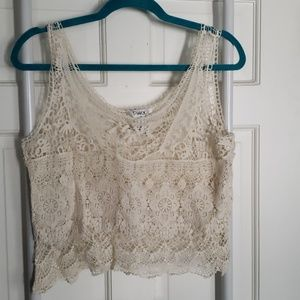 Cropped crochet and embroidered tank. Ivory.